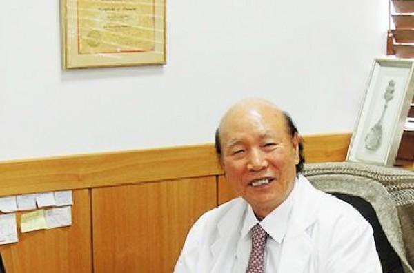 Thầy thuốc - Lương y Trần Quốc Bình