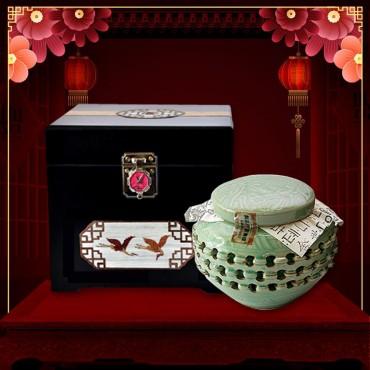 Quà biếu sức khỏe Cao hồng sâm Hoàng Đế đặc biệt loại 500g NS037